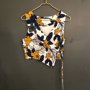 [J.O.A.] Floral Wrap Crop Top - Size Small